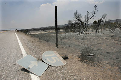 Fire_i15_road_sign