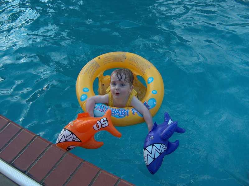 Pool_party_benji