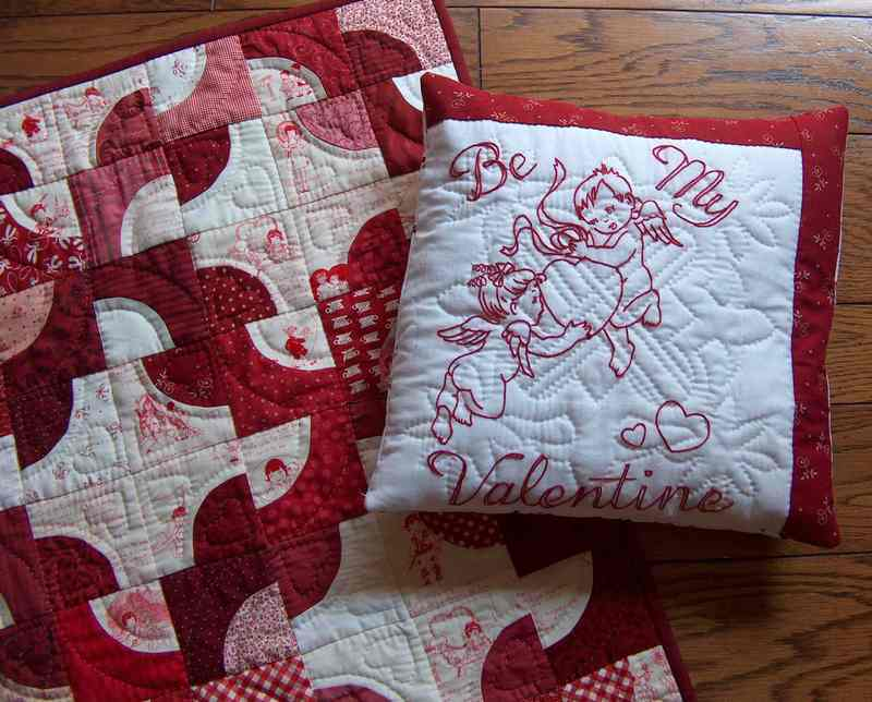 Valentine_pillow_and_quilt_hpim5443
