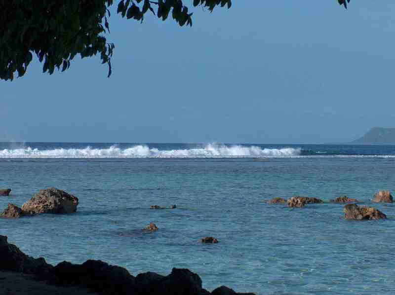 Guam_big_waves_from_our_spot_hpim9019