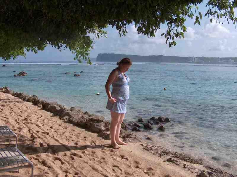 Guam_pregnant_hpim9055
